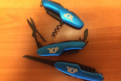 Kapesní-nůž-modrý